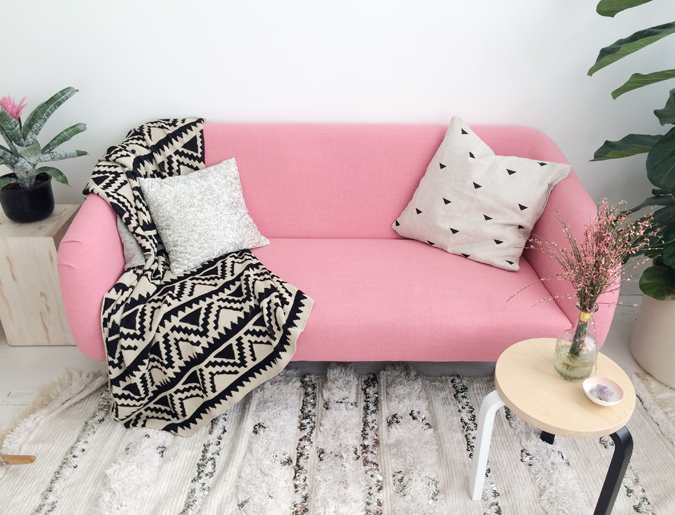 Blue Eye Brown Eye_designlovefest pink couch